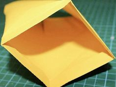 DIY-Anleitung: Laterne plottern via DaWanda.com Plotter Silhouette Cameo, Plastic Cutting Board, Etsy, Tableware, Kindergarten, Lanterns, Celebration, Crafting, Dinnerware