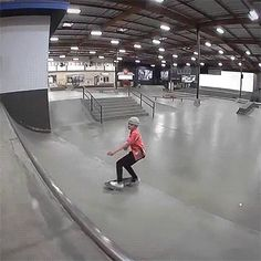 CJ Collins needs is some tasty waves and a cool buzz cola and he's fine. Just watch his new Berrics BANGIN! and see for yourself. Skate Gif, Vans Skate, Skate Park, Skateboard Deck Art, Skateboard Pictures, Skate And Destroy, Skater Boys, Skate Decks, Longboarding