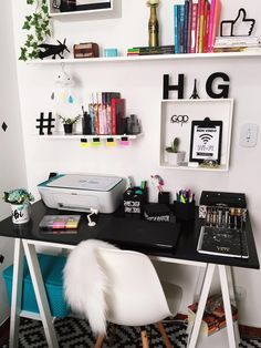 Office Table Decoration Best Office Room Design Ideas For Home