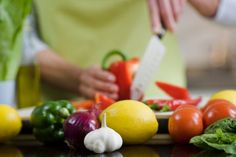 Diet Strategies Show Promise in Lowering Risk of Diabetes Read more: http://healthland.time.com/2012/12/11/diet-strategies-show-promise-in-lowering-risk-of-diabetes/#ixzz2OmdXPtEb