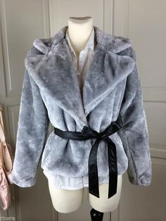Beautiful and cute fake fur Jacket Jacke Blazer for autumn and winter Korean Ulzzang, Fake Fur, Ulzzang Fashion, Fashion Sale, Fur Jacket, My Wardrobe, New Outfits, I Shop, Autumn