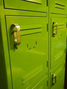 how to paint metal lockers and file cabinet? Repurposed Lockers, Vintage Lockers, Metal Lockers, Gym Lockers, School Lockers, Metal Drawers, Recycled Furniture, Metal Furniture, Painted Furniture