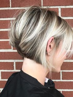 Rounded up the Most Popular Hair Colors for Short Hairstyles