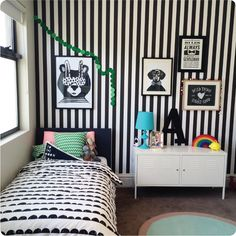 Child's bedroom with removable wallpaper!! | thewallstickercompany