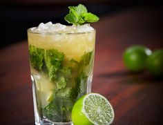 Be Coconut Water Mojito! rum 1 Be Coconut Water 2 sprigs of mint Coconut water ice cubes Sparkling water (optional) Rum, Vodka, Mixed Drinks Alcohol, Mojito Cocktail, Mojito Recipe, Magic Recipe, Coconut Water, Coconut Drinks, Cocktail Recipes