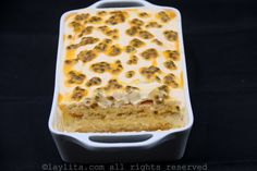Passion fruit tiramisu recipe made with mascarpone, ladyfingers, eggs, sugar, rum and passion fruit. Passion Fruit Mousse, Passion Fruit Cake, Food Cakes, Tart Recipes, Cooking Recipes, Cheesecake Recipes, No Bake Desserts, Dessert Recipes, Butler