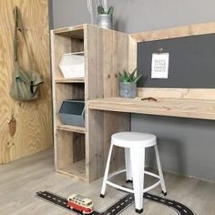 speeltafel-aya Boy Room, Kids Room, Home Office, Office Desk, Crate Desk, Kid Spaces, Crates, Corner Desk, Room Decor