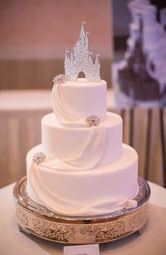 edealing(TM) Romantic Couple Wedding Cake Topper Decoration Figurine Bride And Groom - Ideal Wedding Ideas Princess Wedding Cakes, Princess Cakes, Disney Inspired Wedding, Wedding Disney, Disney Weddings, Beach Weddings, Wedding Couples, Dessert Decoration, Glitter Wedding