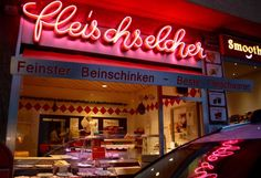 Morgenshooting im August. Neon Signs