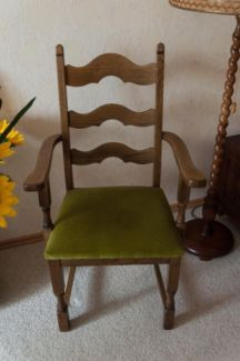 70er Jahre Eiche Stühle (2 Stück) Mit Grünem Polster In Niedersachsen    Bispingen  