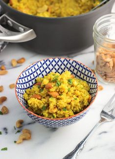 Coconut Turmeric Quinoa with Cashews. Coconut Turmeric Quinoa with Cashews Recipes Coconut turmeric quinoa is a flavorful and healthy side dish recipe, made with creamy coconut milk and broth and mixe. Best Quinoa Recipes, Cashew Recipes, Healthy Recipes, Vegetarian Recipes, Vegetarian Options, Gf Recipes, Healthy Meals, Healthy Side Dishes, Side Dishes Easy