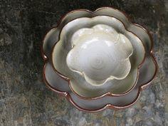 Stoneware bowls, Lucia Catuxo by Casadocura, via Flickr