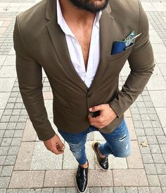 cool 35 Refined Blazer with Jeans Ideas - Contemporary Style for a Classy Gentleman Check more at http://stylemann.com/best-blazer-with-jeans-ideas/