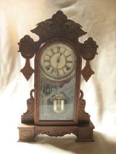 Relojes antiguos on pinterest pocket watch milk can - Relojes antiguos de mesa ...