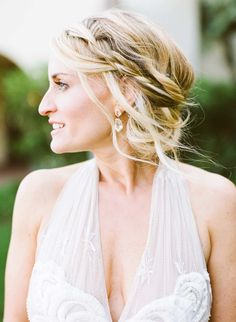 Hairstyle | On SMP: http://www.StyleMePretty.com/2014/03/14/bohemian-coastal-wedding-at-terranea-resort/ Photography: Rebecca Fishman, Birds Of A Feather