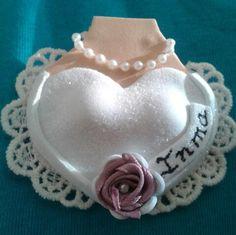 Detalle de boda, broche novia // Bridal brooch. Favor gift.