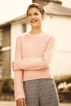 Smarten up a favourite jumper by wearing it with tailored check shorts. #newlook #fashion