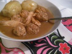 Canadian Dishes, Canadian Food, Meatball Recipes, Pork Recipes, Recipies, Crack Potatoes, Confort Food, French Food, Soups And Stews
