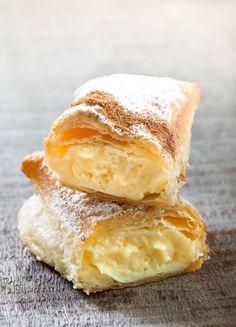 Irresistibles hojaldritos de crema pastelera - La Vida Sabe Mejor