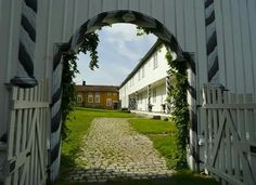 Fossesholm hovedgård, Fossgata 49, NO-3320 Vestfossen