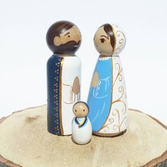 Items similar to Simple Peg Doll Nativity// Holy Family // Wooden Toy // Nativity Scene // Wooden Creche // Peg Doll Set on Etsy Christmas Nativity, Christmas Wood, Christmas Crafts, Wood Peg Dolls, Clothespin Dolls, Catholic Crafts, Doll Painting, Stone Painting, Wooden Pegs