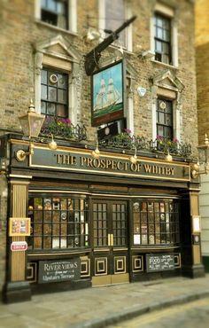 The Prospect of Whitby - 57 Wapping Wall, London England 런던 잉글랜드 Лондон Англия London City, London Pubs, Old London, London Eye, England And Scotland, England Uk, London England, Big Ben, British Pub