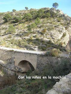 Tibi con niños: Ruta de senderismo en familia hasta el pantano | Con los niños en la mochila www.conlosninosenlamochila.com