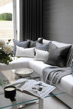Wohnideen Wohnzimmer Helle Raumgestaltung Glastisch Weisses Sofa SofasLive