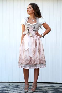 krüger-dirndl-feelings-by-anni-kollektion-rosa-glitzerkleid