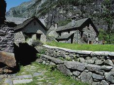 Wandern in der Schweiz: Die 15 schönsten Wanderungen | NZZ Swiss Alps, Best Hikes, Fun Activities, Switzerland, Places To Go, Things To Do, Hiking, Mountains, Mansions