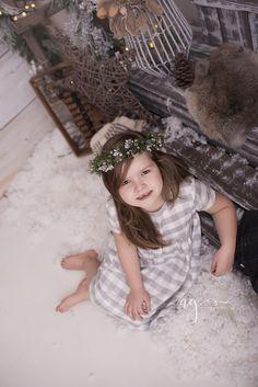 Wesołych świąt! | MajciaKombinuje.pl - parentingowy blog biznesmamy Girls Dresses, Flower Girl Dresses, Wedding Dresses, Flowers, Blog, Photos, Fashion, Dresses Of Girls, Bride Dresses