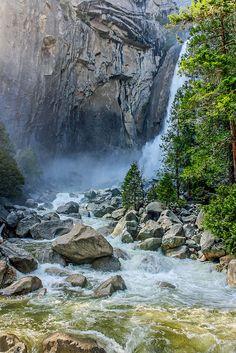 Lower Yosemite Falls, Yosemite National Park, CA Beautiful Waterfalls, Beautiful Landscapes, Yosemite National Park, National Parks, Places To Travel, Places To See, Nature Photography, Travel Photography, Dream Painting