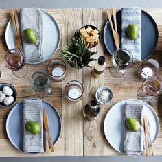 Gedeckter Tisch nach skandinavischem Vorbild von KIND OF MINE*   creme wien
