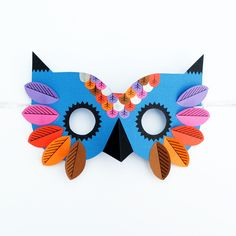 Hello all, I hope you are all well and preparations for Halloween are going well. Paperchase asked me to design a mask for Halloween. I have a thing for owls so it seemed only natural to make an owl mask. Mascaras Halloween, Halloween Masks, Halloween Crafts, Halloween Ideas, Diy For Kids, Crafts For Kids, Arts And Crafts, Diy Crafts, Owl Mask