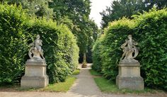 Stone statues at the entry of an axis Stone Statues, European Countries, Czech Republic, Sidewalk, Explore, Travel, Courtyards, Viajes, Side Walkway