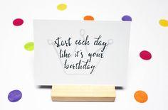 Verjaardagskaart, kaart verjaardag, felicitatiekaart, quote,  uitnodiging feest, uitnodiging, wenskaart, gelukkige verjaardag kaart, kroon door JolisMots op Etsy