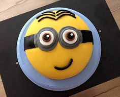 Minion-Torte mit Kinderschokoladencreme (Rezept mit Bild) | Chefkoch.de