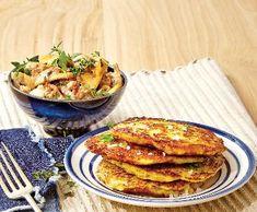 Bramboráky smasovo-houbovou směsí   Recepty Albert Salmon Burgers, French Toast, Beef, Treats, Breakfast, Ethnic Recipes, Food, Meat, Sweet Like Candy