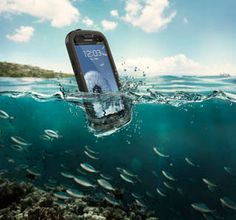 Gift of the Day: Enter to win the Lifeproof Nüüd! #GiftofTravel