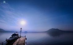 Photo of Lake Shikotsu in the morning haze in Chitose-shi, hokkaidō, Japan