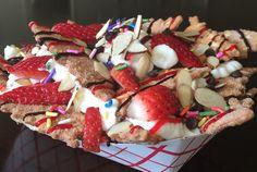 Olasz nachos = fahéjas, cukros canolli törve, ricottával, gyümölccsel, csokival, dióval és cukorkával