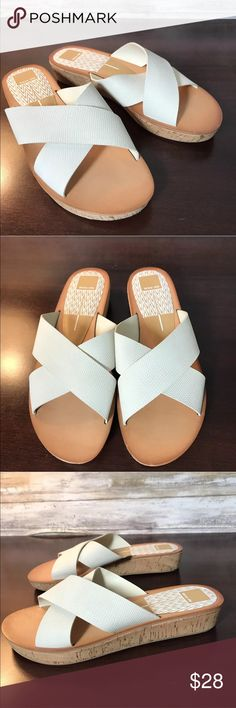 Dolce Vita Women's Sandals Shoes 9.5 Cork Wedge Type: Shoes Style: Criss Cross Strappy Sandals Brand: Dolce Vita Color: Light gray/Off white Size: 9.5 Condition: Excellent, like new Dolce Vita Shoes Sandals