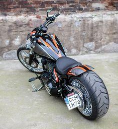 2013 'Californication' Harley-Davidson Softail FXSB Breakout Vintage.    http://ninehillsmotorcycles.pl/en/ and/or http://facebook.com/media/set/?set=a.1658616381028640.1073741873.1421930961363851&type=3 #harleydavidsonbobberssoftail