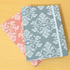 Encomendas finalizadas com sucesso! 😀 Ficaram lindos esses cadernos com tecidos bandanas.  Mais detalhes sobre eles, visite o nosso Flickr. www.flickr.com/photos/bellamiaatelie  #cadernosartesanais #papelariaartesanal #papelaria #feitoàmão #encadernaçãomanualartística #coptaetiope #produtosartesanais #bookbinding #notebooks #handmade #handbooks #handcraft #stationery
