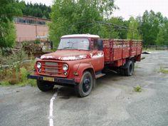 Bucegi, Romania Old Trucks, Eastern Europe, Romania, Antique Cars, Vehicles, Vintage, Vintage Cars, Car, Vintage Comics