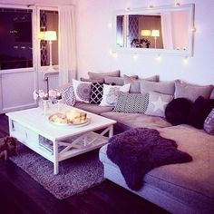 Cute apartment decorating ideas interesting living room with bathroom . Cute Living Room, Living Room Setup, Elegant Living Room, Cozy Living Rooms, Living Room Interior, Sitting Rooms, Simple Living, Modern Living, Cute Apartment