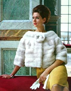 L'Officiel June 1963  Simone d'Aillencourt is wearing Max Reby  Photo Virginia Thoren-Rice