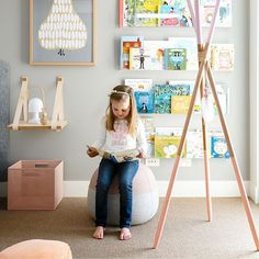 We love incorporating wall libraries into our kids rooms! @Ubabub acetate shelves are our very favorite!!!!! #walllibrary #kidslibrary #readingnook #girlsroom #girlsbedroom 📸 @jeremyblodephotography