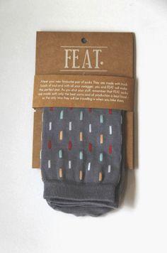 package-grey-vermicelli_610W Sleeve Packaging, Box Packaging, Packaging Design, Two Best Friends, Funny Socks, Beauty Packaging, Kids Socks, Designer Socks, Cool Socks