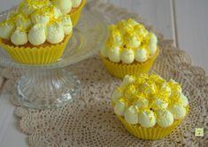 I cupcake fior di mimosa sono dei semplici e raffinati cupcake dal gusto delicato, ma goloso, perfetti per festeggiare la festa della donna.
